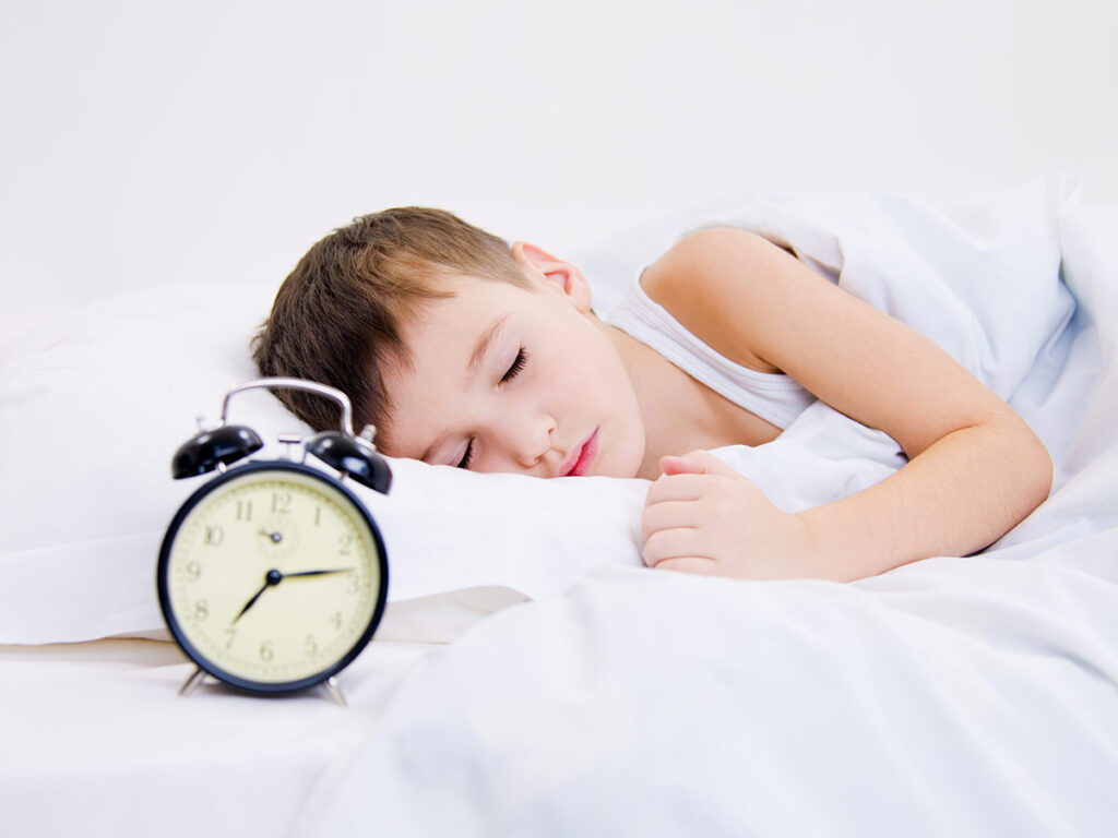 como lograr que tu hijo duerma solo